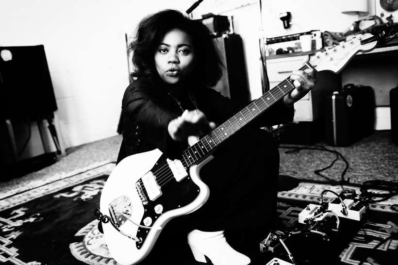 Fender_Jazzmaster_AH_Lifestyle_004