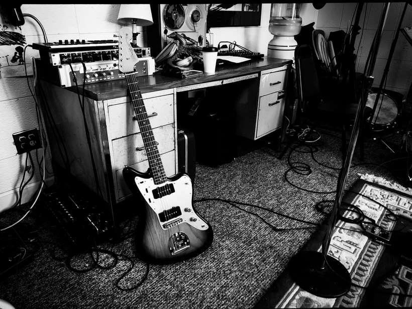 Fender_Jazzmaster_AH_Lifestyle_023