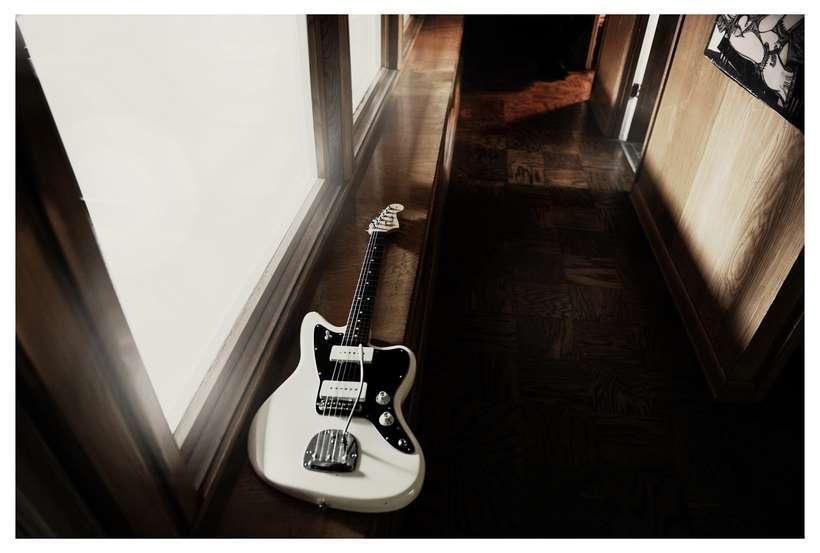 Fender_Jazzmaster_AH_Lifestyle_041