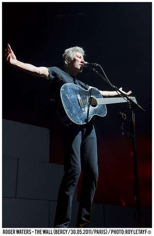 roger_waters_the_wall_bercy_30mai2011_img_3706-thb